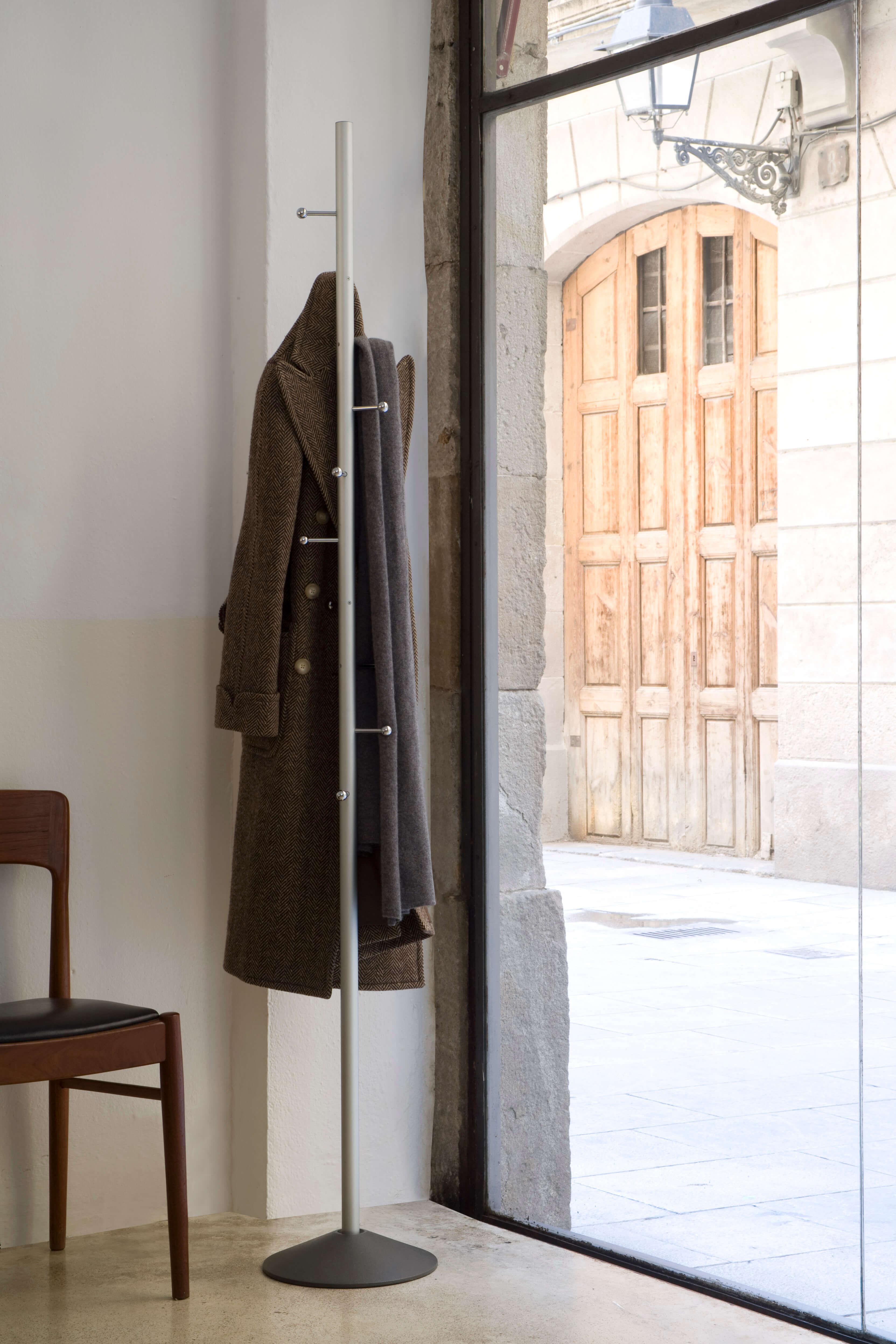 Perchero mirac mobles 114 ebanite interiorismo y dise o for Mobles 114